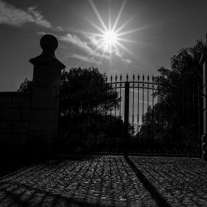 Friedrich Weigel - Tor im Gegenlicht